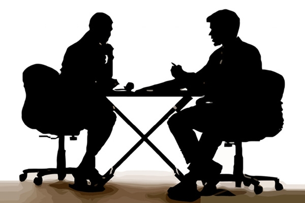 ثلاثة أسئلة يجب أن تتجنبهم أثناء إجراء المقابلة الشخصية