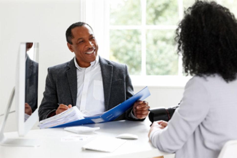أمور غير لائقة يجب عليك تجنبها أثناء المقابلة الشخصية